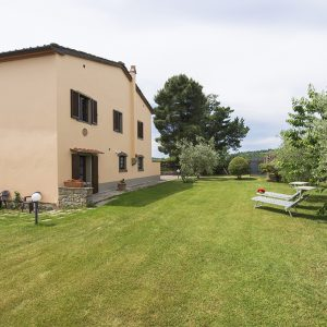 holiday villa with pool arezzo